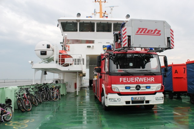 Feuerwehrtransport auf die Insel
