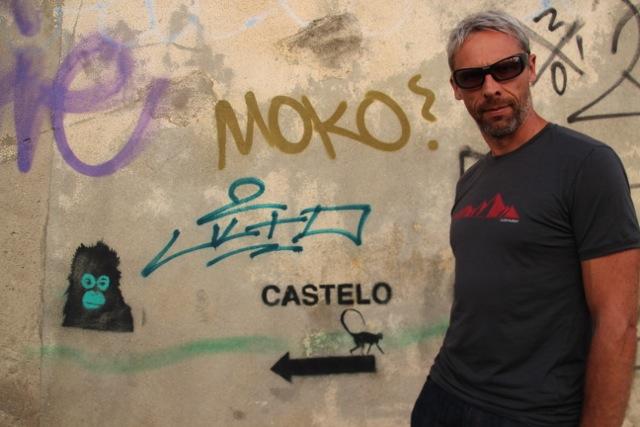Dirk mit geklebter Lieblingsbrille in Lissabon