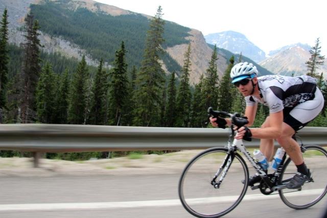Kanada – Rennradfahrer auf dem Icefields-park-Way