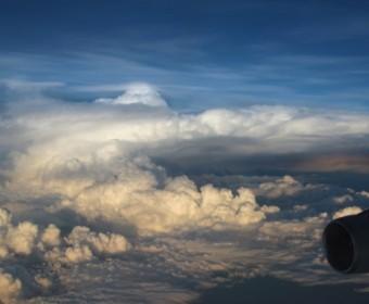 Sydney_Rueckflug_Wolken