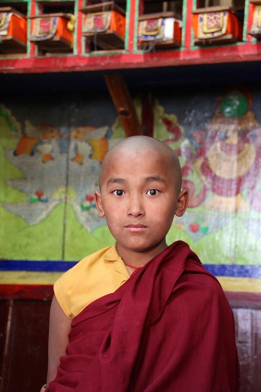 junger Mönch im Himalaya