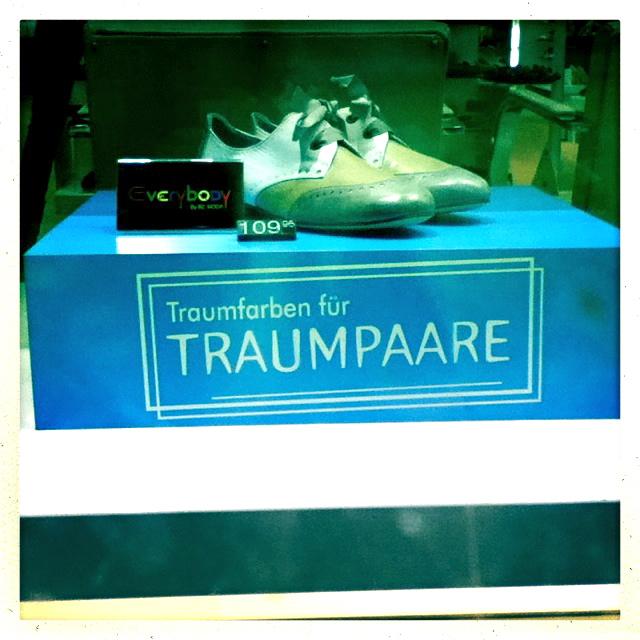 Schuhgeschäft mit Werbung in Leipzig