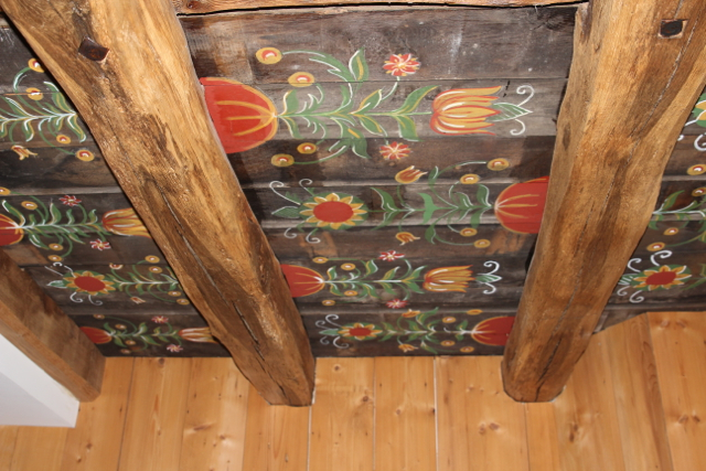 bemalte Holz-Decke