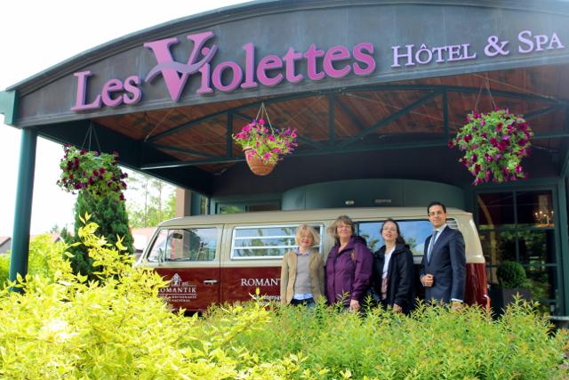 das Team vom Les Violettes