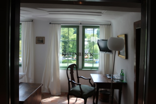 Rheinblick aus dem Zimmer