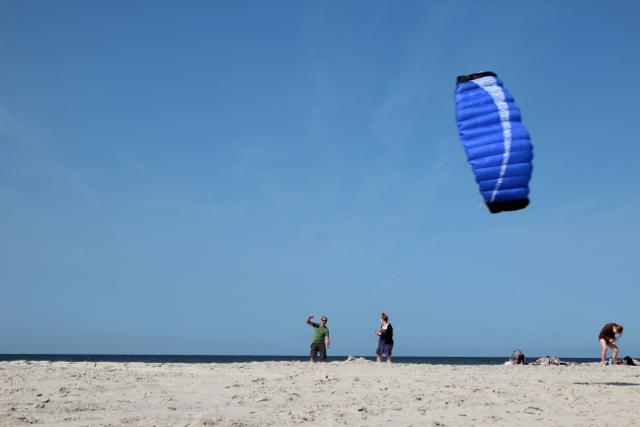 und immer viel Wind: Dirk lässt den Drachen steigen