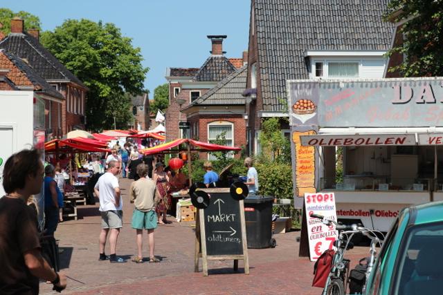 schöner Markt in einer Kleinstadt