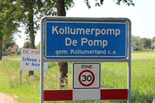Einfahrt nach Kollumerpomp De Pomp