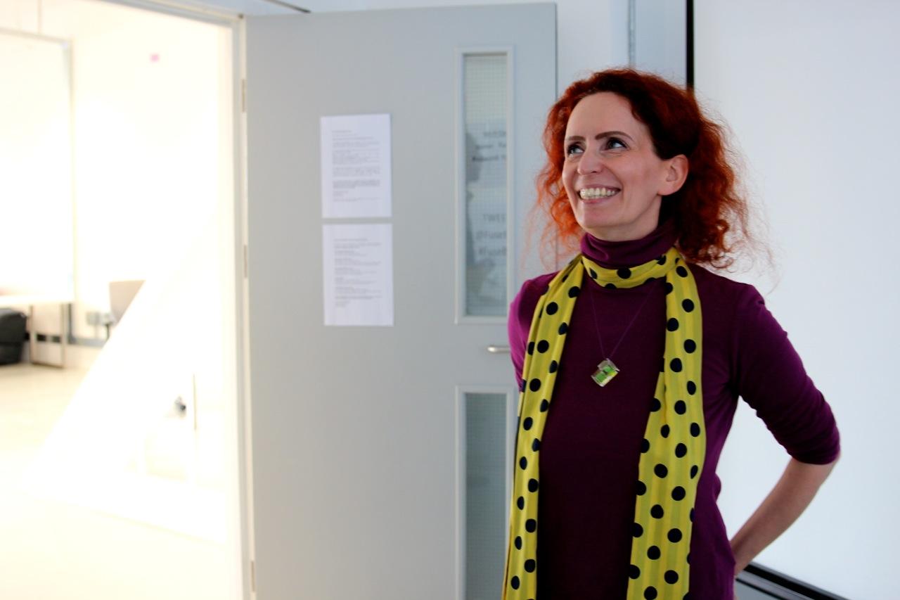 Cici Blumenstein erklärt uns ihre Kunst