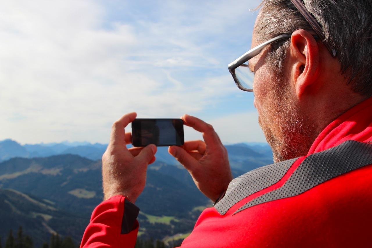 Dirk mit der Peak Finder-App