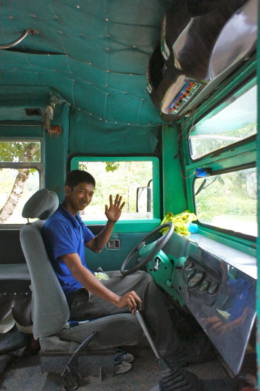 freundlicher Busfahrer