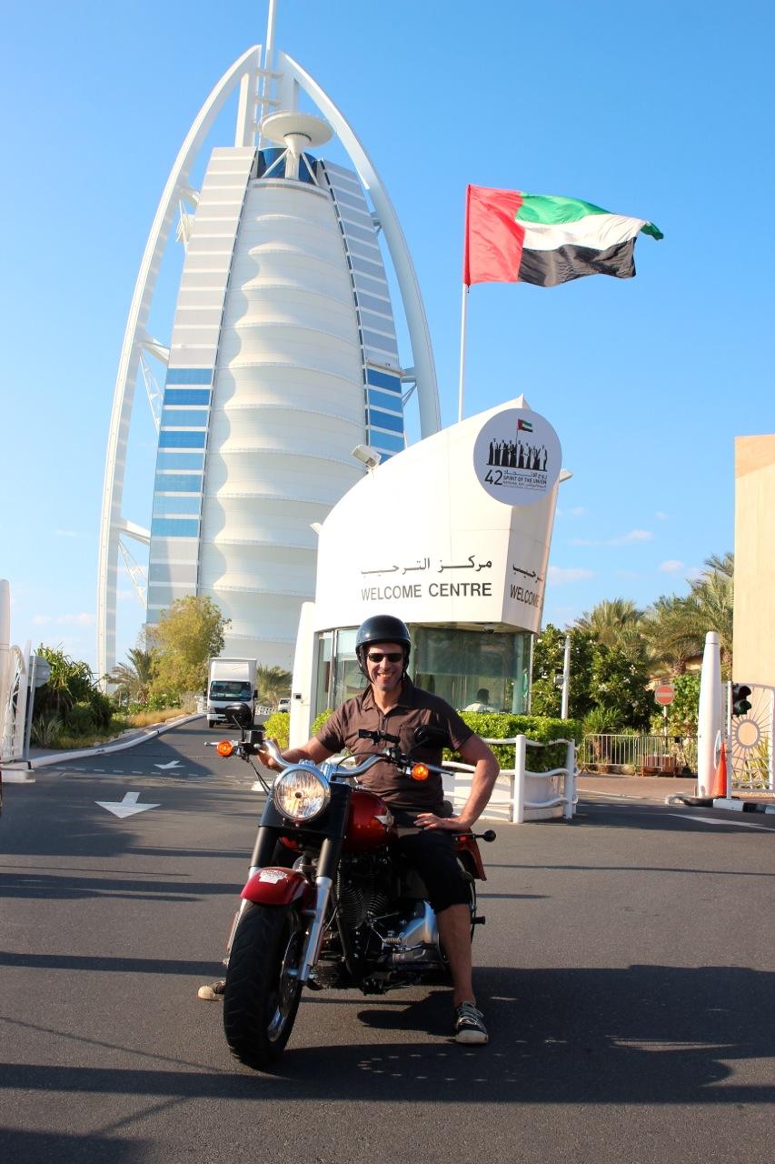 Dirk vor dem Burj Al Arab