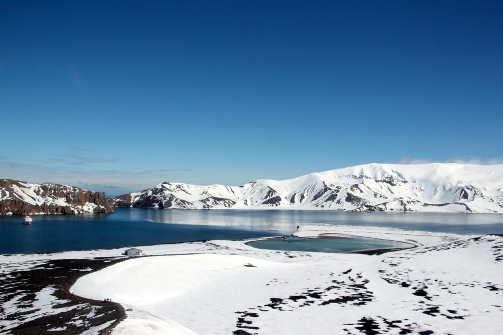 """kleiner Vulkankrater im großen Vulkan und die Ausfahrt aus Deception """"Neptun's Bellows"""""""