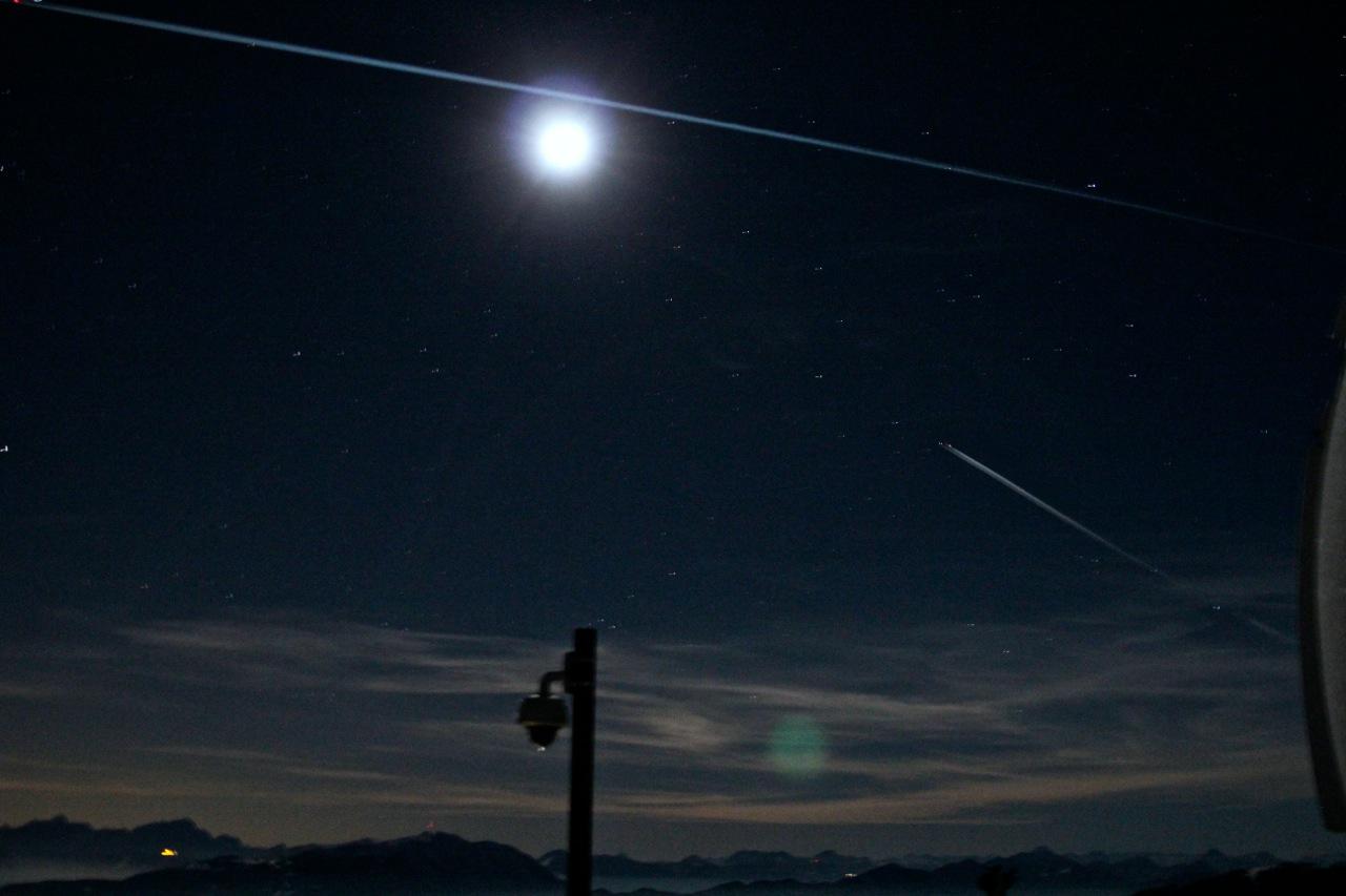 Blick von der Plattform der Sternwarte in den Himmel