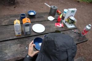 Regen stört uns nicht beim Frühstück...