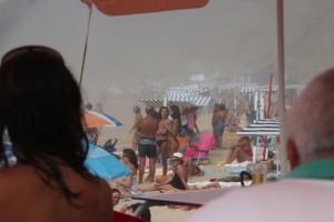 durch den Nebel sieht man keine Strandschönheiten mehr...