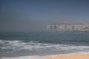 ...und auch das Hotel am Ende der Bucht verschwindet