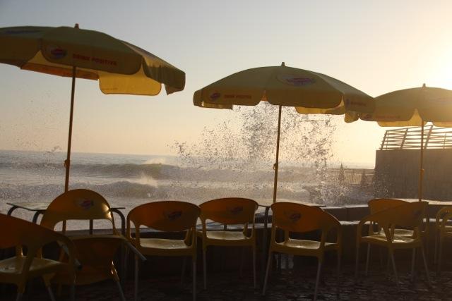 der Herbststurm vertreibt den Nebel wieder
