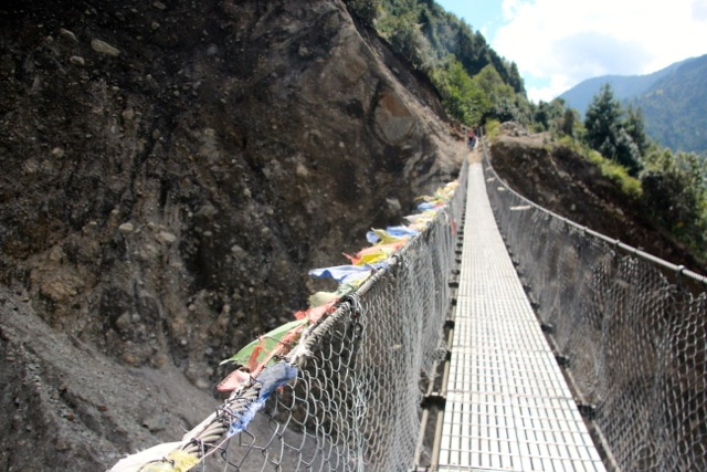 eine von den vielen Hängebrücken auf dem Weg nach oben