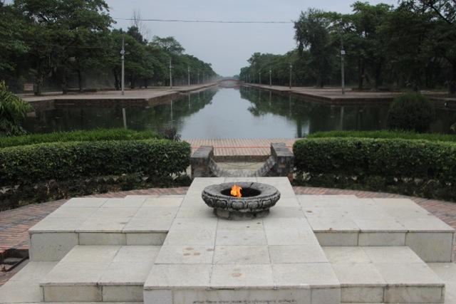 Die Ewige Flamme brennt für den Weltfrieden in Lumbini