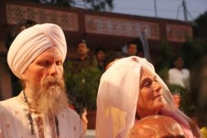 die beiden Inhaber vom Golden Bridge Yoga aus den USA