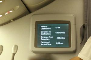 knapp 14 Stunden Flugzeit liegen vor uns