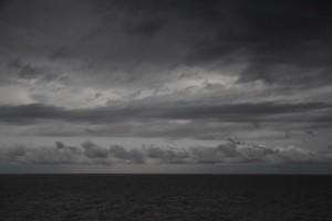 dunkle Wolken über dem Rio de la Plata