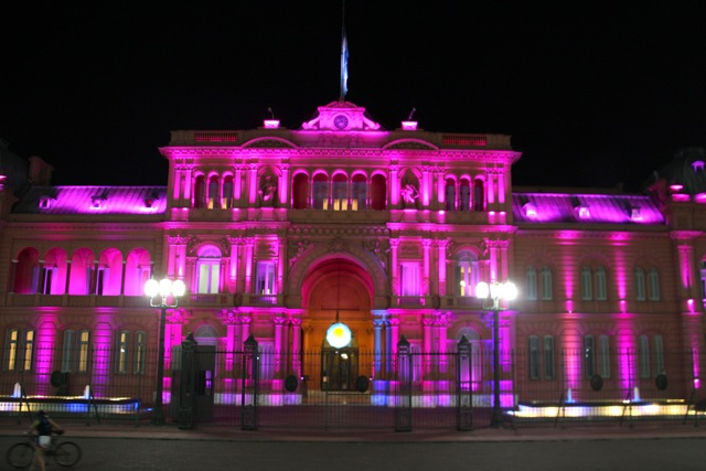 das pinke Parlament in Buenos Aires