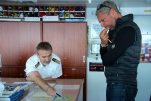 alles genau im Blick – Kapitän Mark Behrend