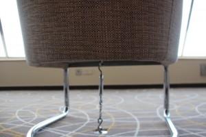 und die Stühle kommen an die Kette
