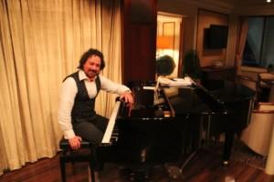 Pianist Alejandro Graziani spielt selbst bei Sturm
