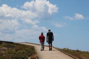 Wildlife-Experte Ron erklärt Dirk die Besonderheiten der Fauna von Kangaroo Island