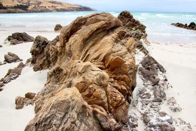 Felsen am Strand von Snelling Beach