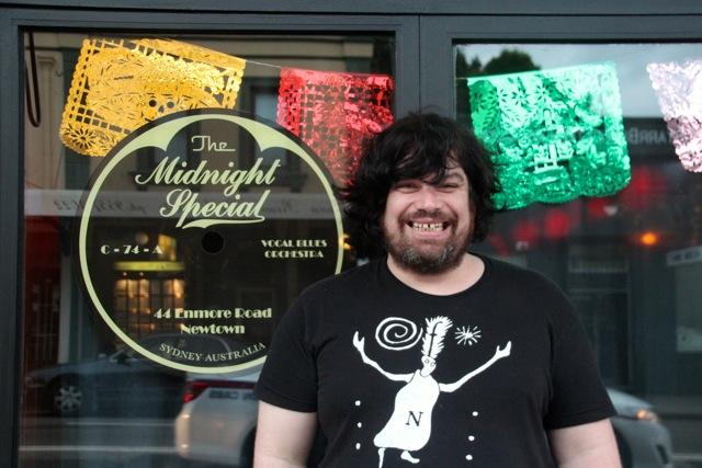 """Christian vor seiner Bar """"Midnight Special"""""""