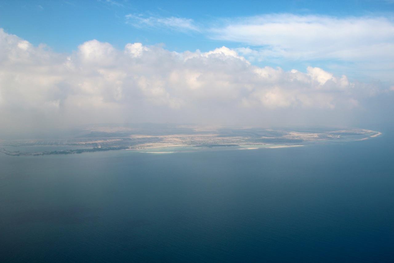 Sir Bani Gas Island aus der Luft betrachtet