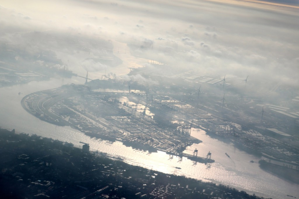 Hamburg aus der Luft – der Hafen an der Elbe