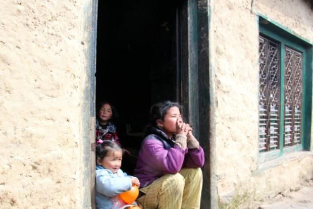 viele Hoffen jetzt auf die Unterstützung durch die nepalesische Regierung