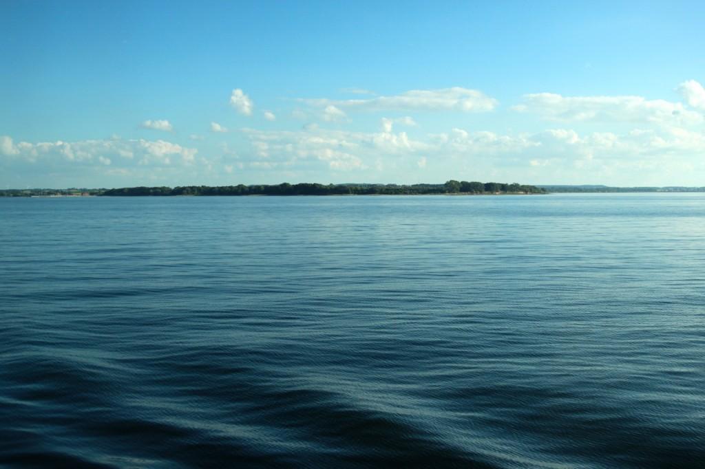 Stille See zum Sonnenuntergang
