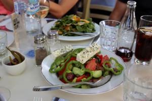 klassischer Schafskäse-Salat