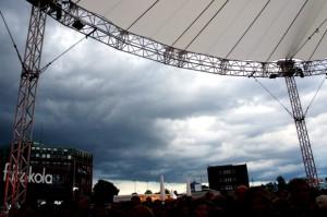 erste dunkle Wolken am Himmel